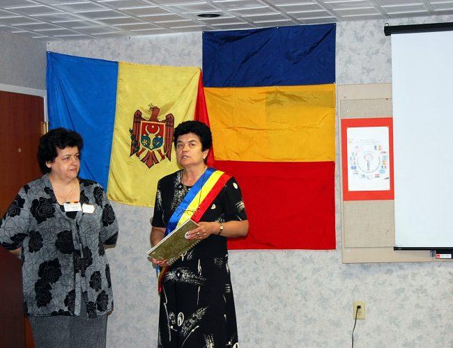 D-na Smaranda Livescu Si D-na Primar Valeria Dascalu
